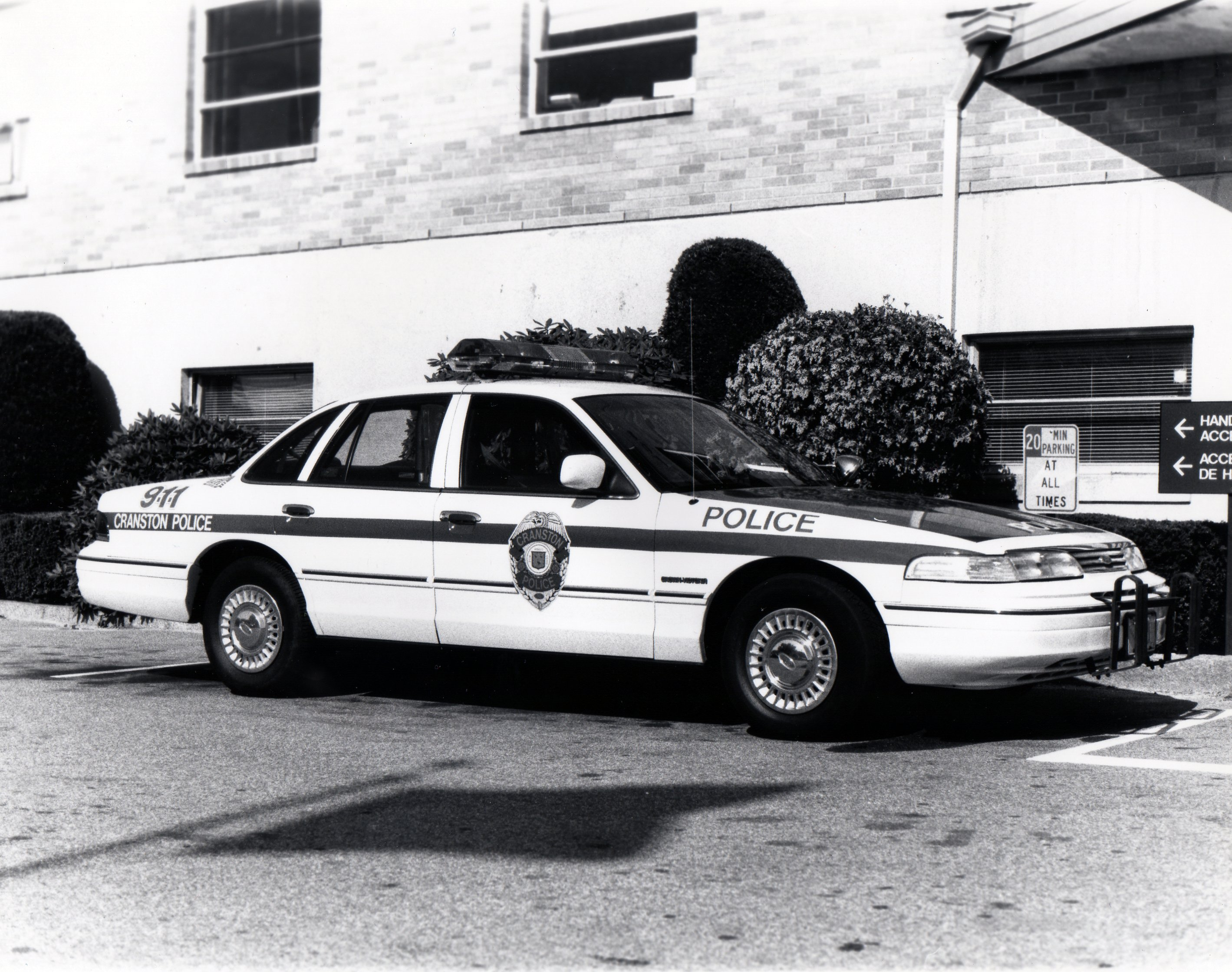 Police Vehicles Cranston Department Retirees Association 1970 Ford Car 1993 Crown Victoria In Front Of Old Station At 275 Atwood Ave